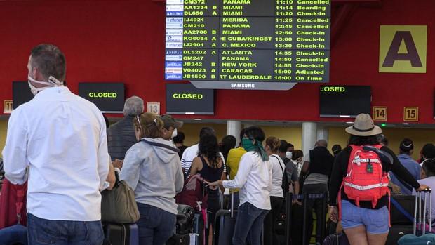 El régimen cubano decreta aislamiento total para los extranjeros varados en la isla
