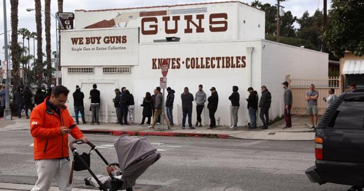 Se dispara la compra de armas en EE.UU. por temor al caos durante ...
