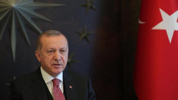 Erdogan dona su salario de siete meses para combatir la pandemia de coronavirus en Turquía