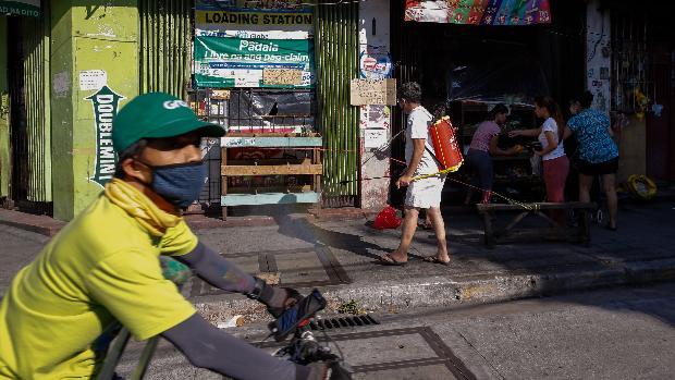El presidente de Filipinas ordena «disparar a matar» a los que violen la cuarentena por coronavirus