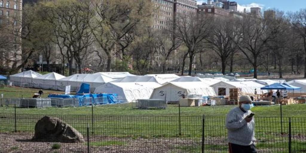 Nueva York se plantea «fosas comunes» temporales para las víctimas del coronavirus en los parques