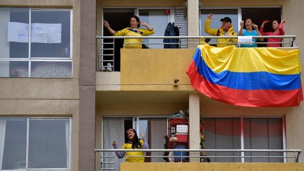 Mujeres y hombres de Bogotá se alternarán los días pares e impares para salir de casa
