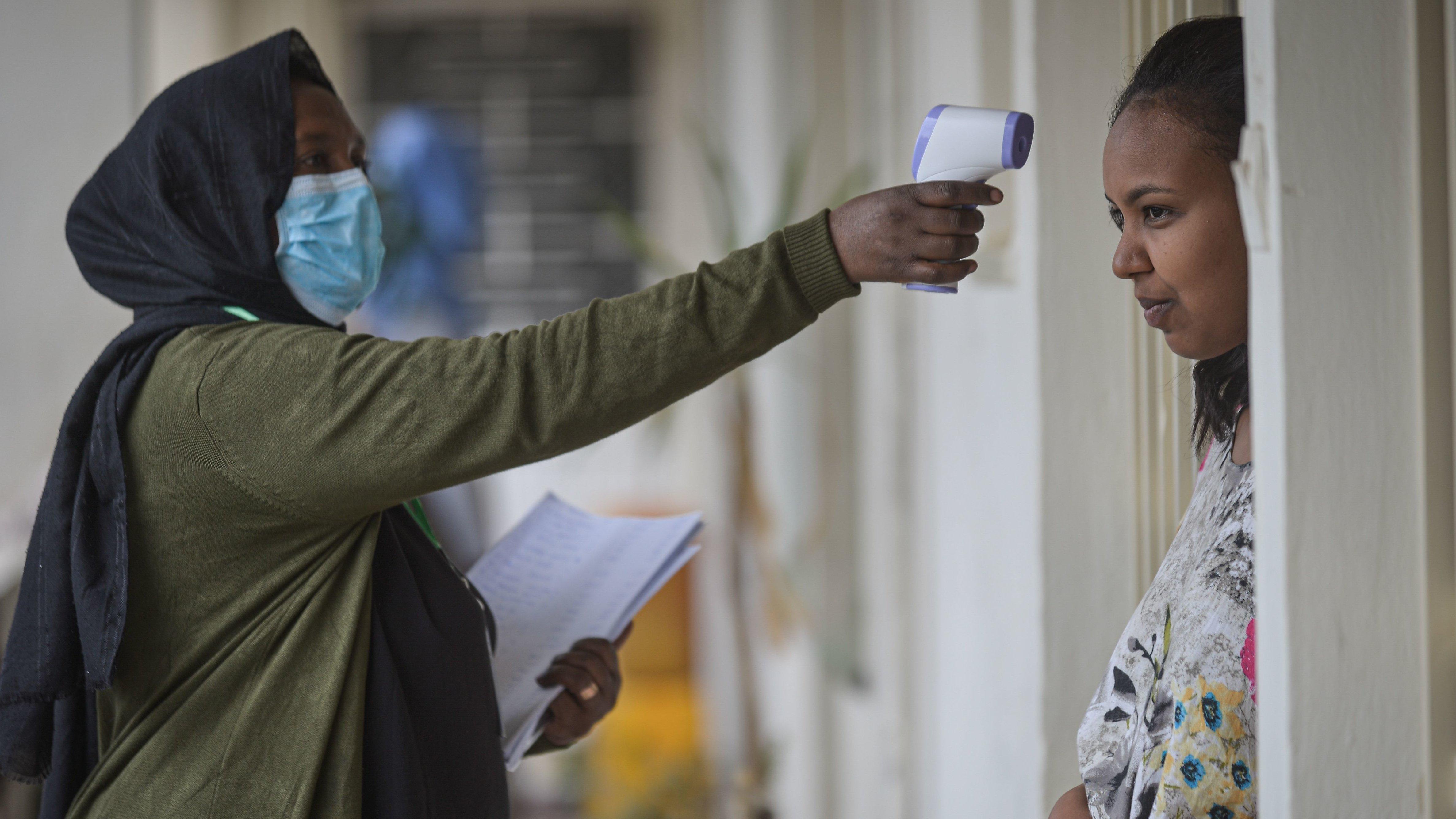 Arabia Saudí deporta a 3.000 trabajadores etíopes en plena crisis del coronavirus