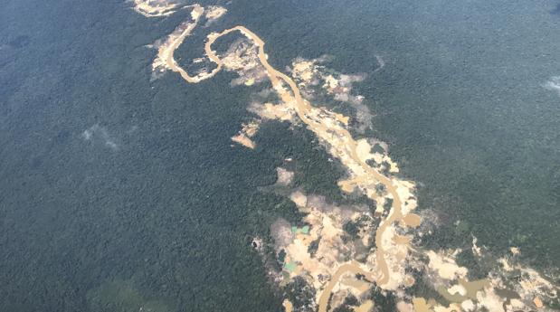 Maduro legaliza la explotación de oro en seis ríos de Venezuela