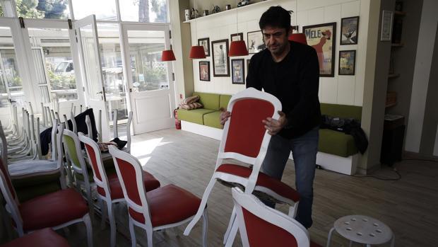 Grecia permitirá desde este lunes circular libremente y reabrir las iglesias y algunos comercios
