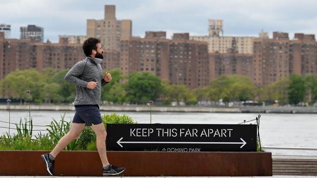 Nueva York comienza su reapertura mientras la epidemia no se detiene en EE.UU.