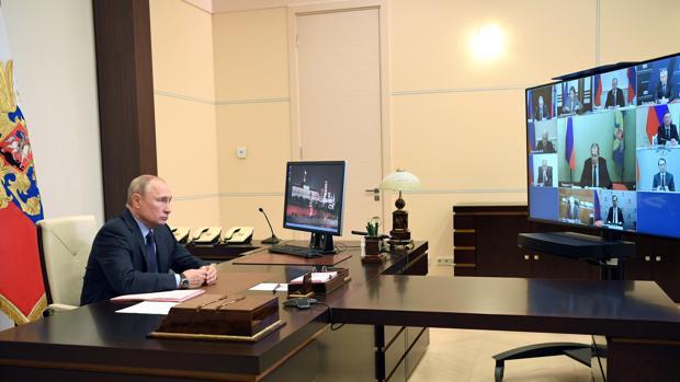 Putin busca recobrar el pulso político y acometer la consulta que avale su continuidad en el poder