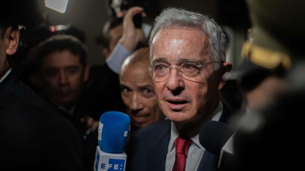La Corte Suprema de Colombia abre una investigación contra Álvaro Uribe por escuchas de militares