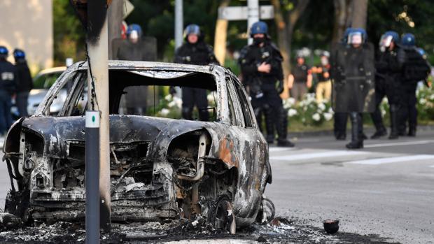 Violentos enfrentamientos mafiosos y multiculturales en Dijon