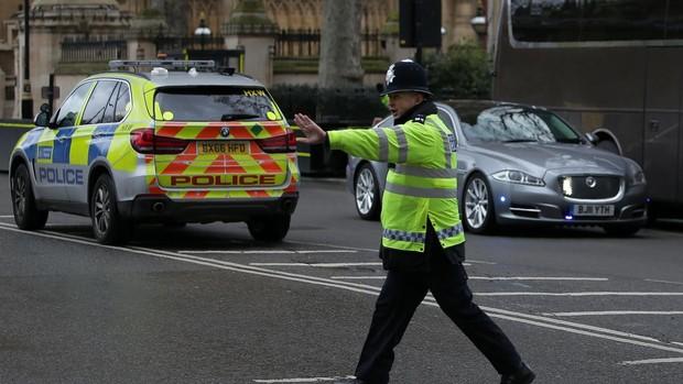 La Policía califica como «incidente terrorista» la muerte por apuñalamiento de tres personas en Reading