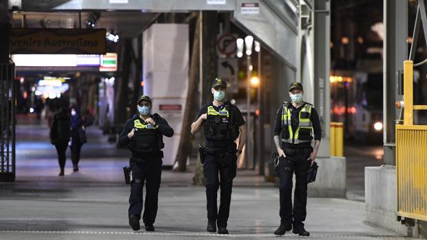 Australia impone el toque de queda en Melbourne ante el avance del coronavirus