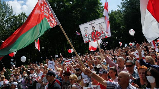 Lukashenko agita el fantasma de la conspiración rusa para evitar su derrota electoral en Bielorrusia