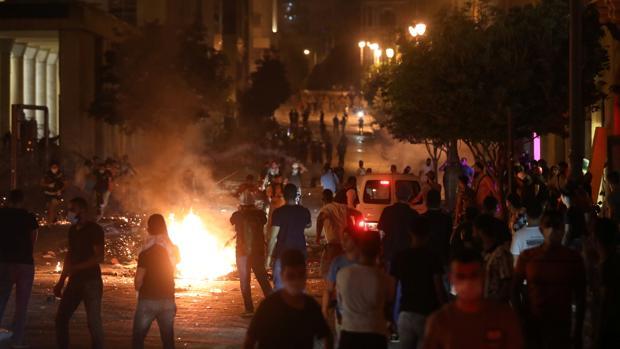 Estalla la indignación popular contra las autoridades tras la explosión de Beirut