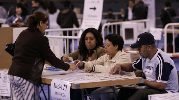 El Consejo Electoral de Ecuador convoca elecciones generales para el 7 de febrero