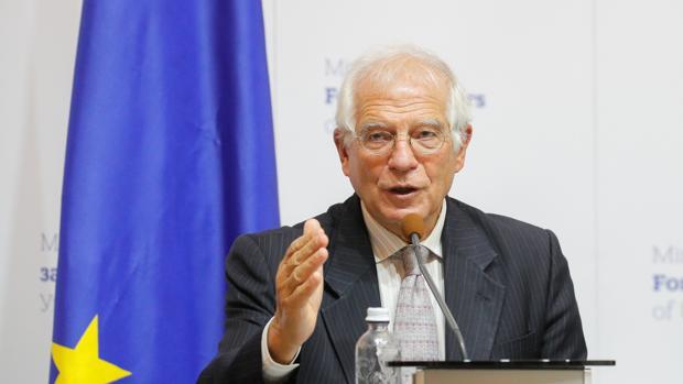 Borrell asegura que la UE no negocia con Maduro y que está «lejos» de enviar observadores