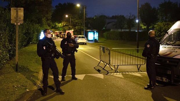 Un joven decapita en París a un profesor que mostró caricaturas de Mahoma