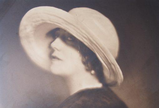 Katherina Schmidt, más conocida como «Kitty»