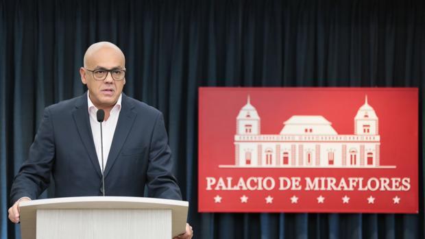 Un funcionario cercano a Trump se reunió con Jorge Rodríguez en septiembre en México