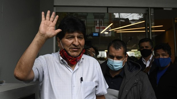 El expresidente boliviano Evo Morales deja Argentina rumbo a Venezuela