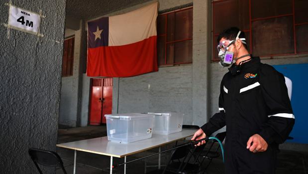Chile decide si liquida la constitución de Pinochet