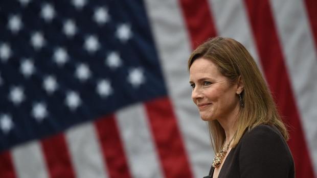 El Senado de EE.UU. aprueba el ingreso en el Supremo de la juez conservadora Barrett