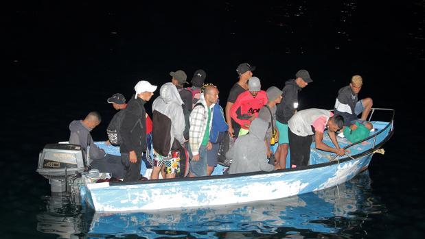 Italia se ha convertido en un «coladero» de inmigrantes ante la indiferencia de Europa