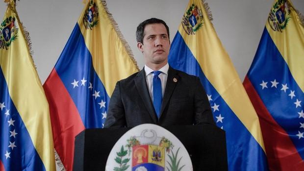 Venezuela entra en campaña electoral con la consulta popular de Guaidó y las legislativas de Maduro