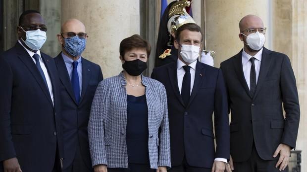 Macron pide que la vacuna sea declarada «bien de la humanidad»