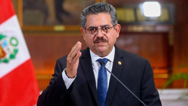 Merino renuncia como presidente de Perú tras menos de una semana en el poder