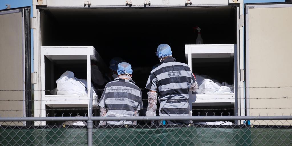Presos en la morgue del Covid-19 a dos dólares la hora