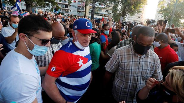 Es la hora de iniciar la transición a la democracia en Cuba