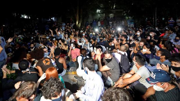 Díaz-Canel responde a manifestaciones populares con amenaza de usar las armas y la violencia