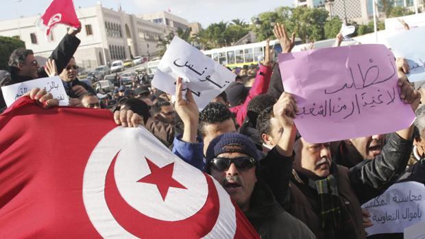 Diez años de la Primavera Árabe: Túnez como ejemplo y regresión en el resto de la región