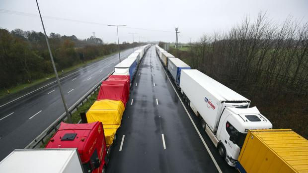 Preocupación en Reino Unido por la escasez de productos debido a los cierres de fronteras