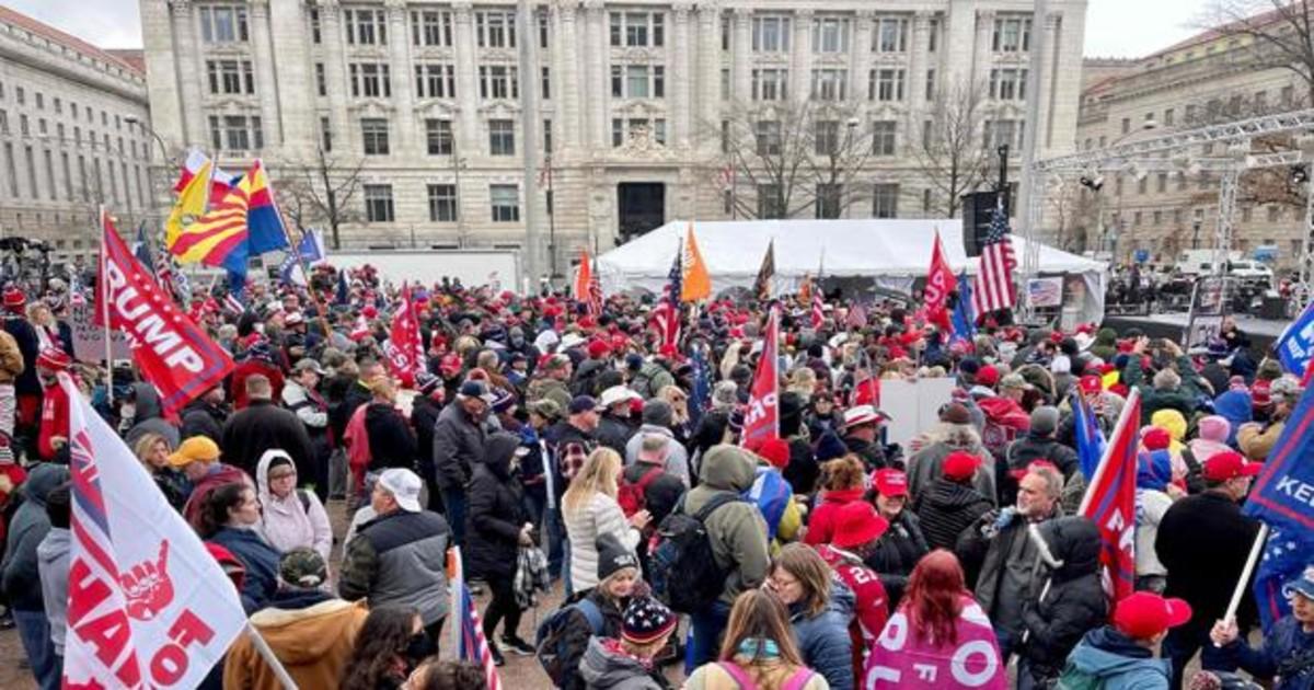 Centenares de seguidores de Trump se reúnen en Washington para protestar  contra la victoria de Biden