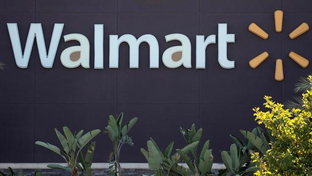Walmart y Disney suspenden sus donaciones a los republicanos que se negaron a certificar a Biden