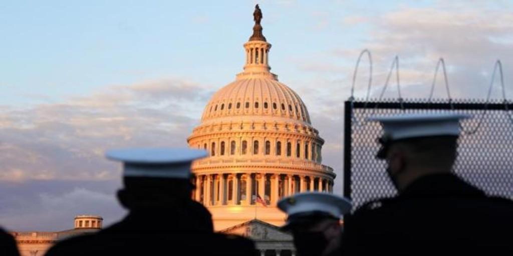 Cierran el Capitolio de urgencia al detectarse humo en el exterior del recinto