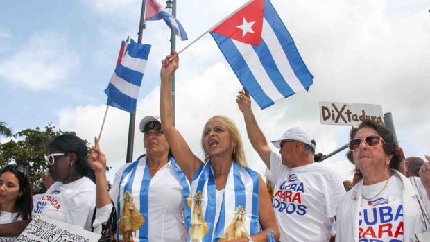 El exilio avisa a Biden: «Volver a las políticas de Obama en Cuba sería un gran error»