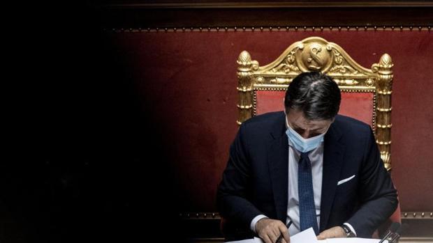 Conte gana la confianza en el Senado con una frágil mayoría relativa