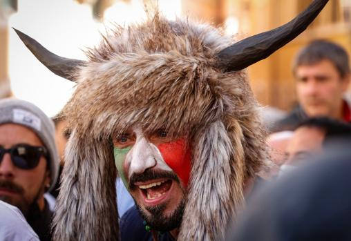 One of the participants in the protests in Rome against the restrictions by the Covid