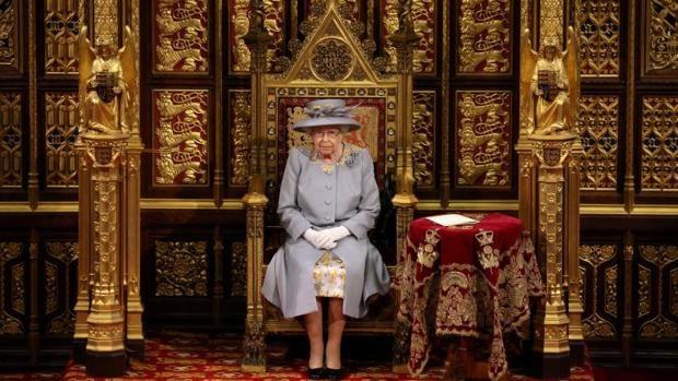 La Reina Isabel II, en la Cámara de los Lores el pasado 11 de mayo