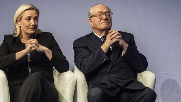 Jean-Marie Le Pen carga contra su hija Marine por la falta de «virilidad» del partido