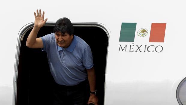 Detienen a dos excomandantes en Bolivia por forzar la salida de Evo Morales del poder