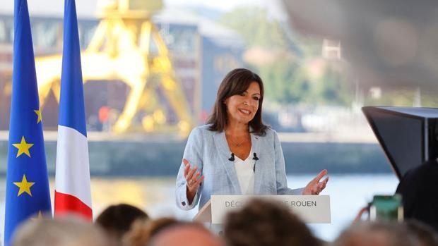 Anne Hidalgo, hija de emigrantes españoles y alcaldesa de París lanza su candidatura a la presidencia