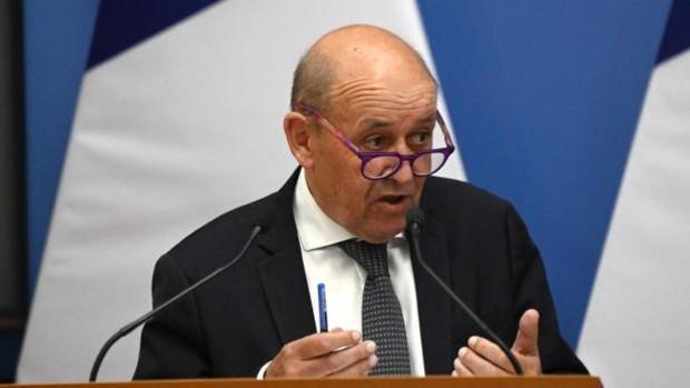 Francia denuncia que el pacto de EE.UU. con Australia y Reino Unido es una puñalada por la espalda