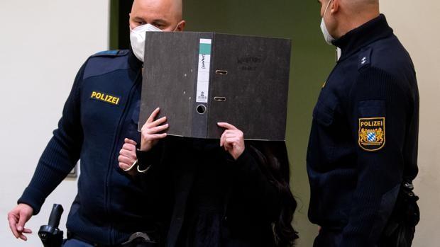 Alemania condena a 10 años a una alemana del Daesh por dejar morir de sed a una niña yazidí de 5 años