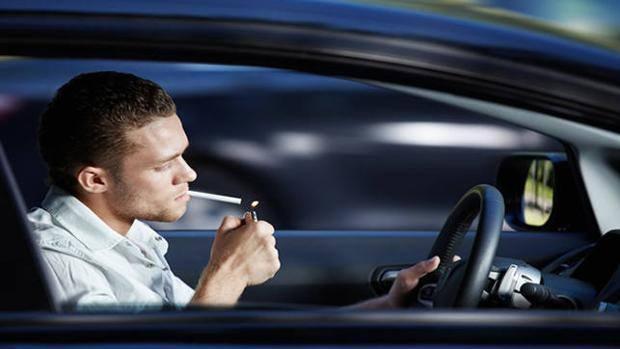 Encender un cigarrillo puede suponernos recorrer 120 metros sin apenas control