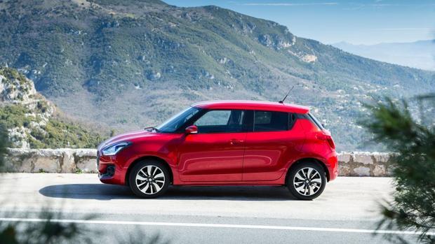 Probamos la «baja hibridación» del Suzuki Swift: juvenil y