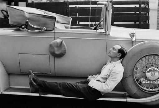 Buster Keaton descansa durante el rodaje
