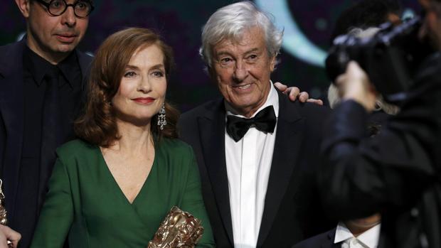 Isabelle Huppert y Paul Verhoeven fueron premiados por «Elle»